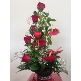 https://floristeriajerico.es/319-thickbox_leometr/centro-decorativo-6-rosas-.jpg