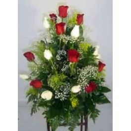 https://floristeriajerico.es/83-thickbox_leometr/centro-piramidal-rosas.jpg